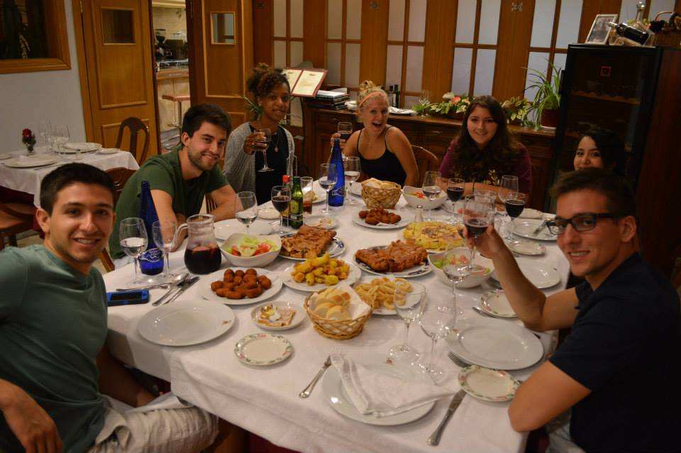 Madrid - Students Eating